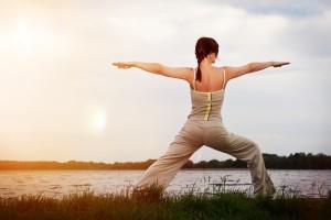 Yoga bei Sonnenuntergang